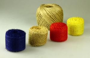 Auswahl an Blumenbindern und -bändern
